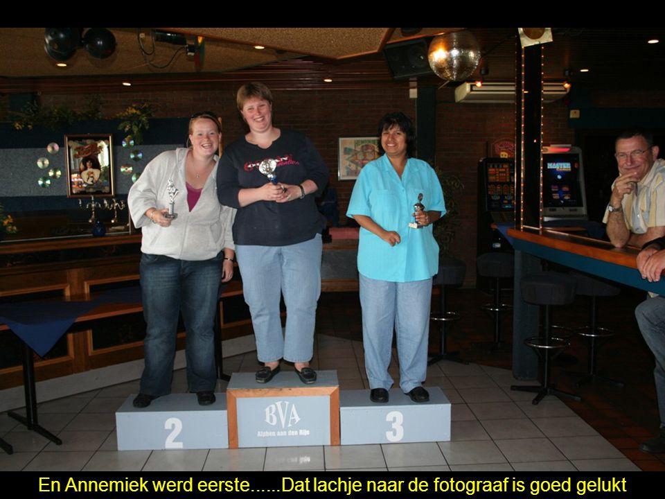 En Annemiek werd eerste......Dat lachje naar de fotograaf is goed gelukt