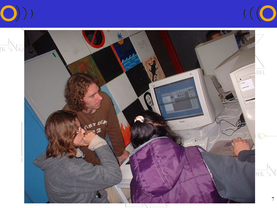 8 Inschakelen van vrijwilligers !Om technische helpdesk te bemannen !Om computerinitiatie te geven aan kinderen en jongeren !Om computeropleiding te geven aan opvoeders, begeleiders