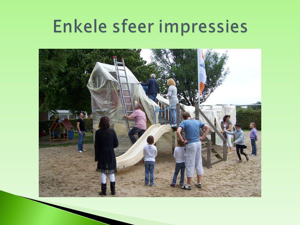  Bij Mitralis in Hoensbroek liggen flyers op de balie en hangen er op