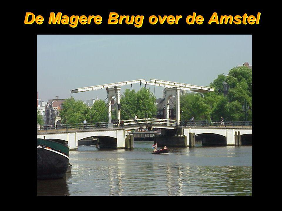 2 De Magere Brug over de Amstel