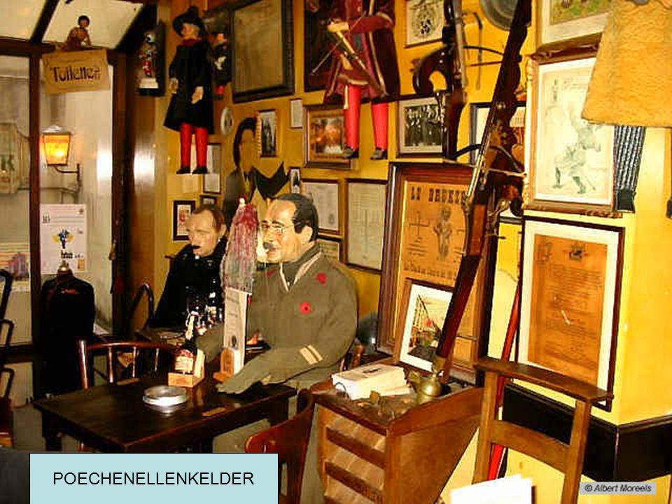 Oude cafés in Brussel POECHENELLEKELDER