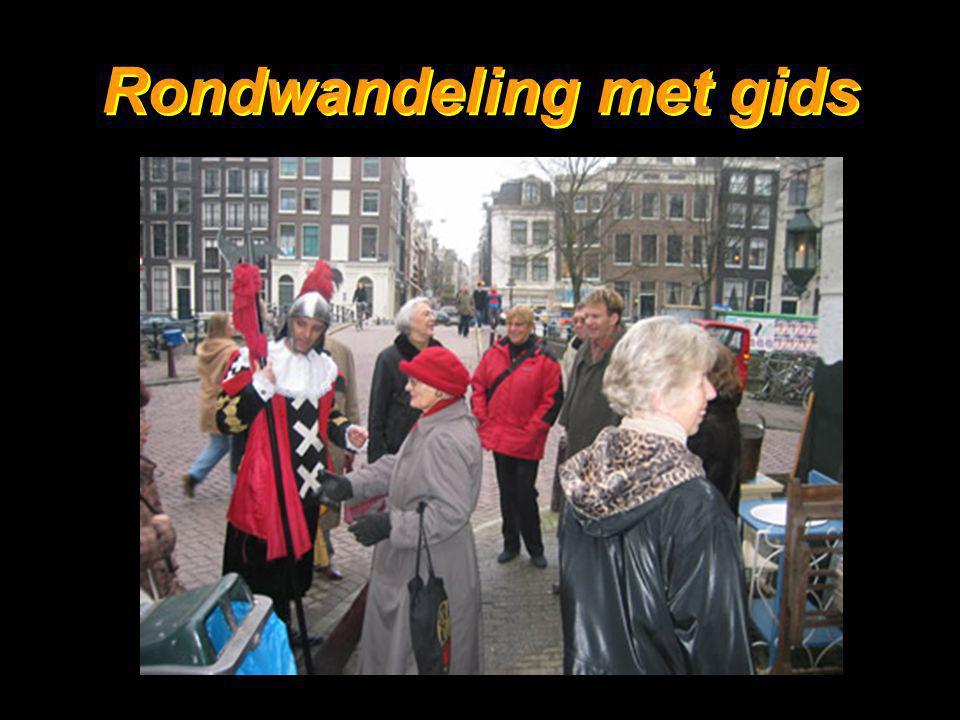"""32 Ook in café """"De Twee zwaantjes"""" op de Prinsengracht Ook in café """"De Twee zwaantjes"""" op de Prinsengracht"""
