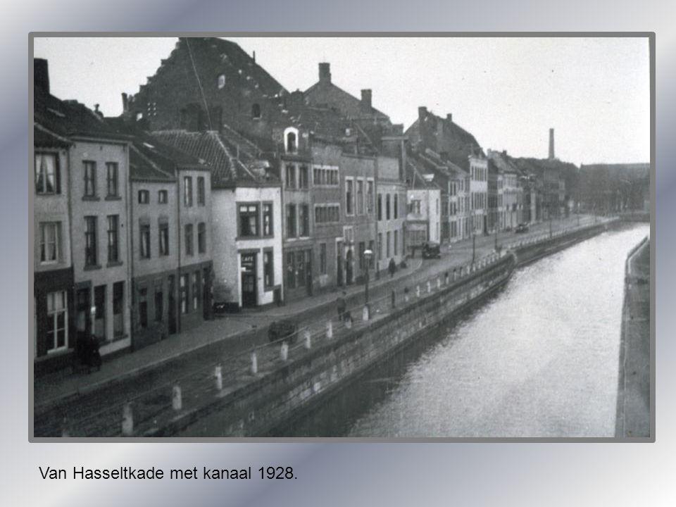 Van Hasseltkade met kanaal 1928.