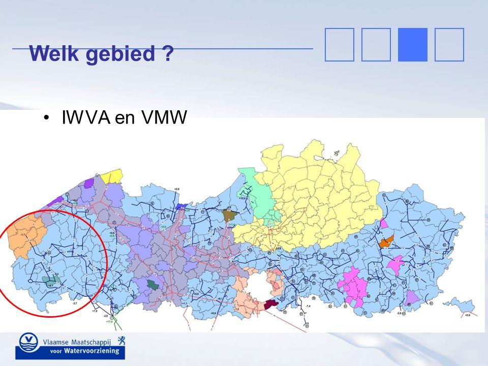 Historiek: een lange weg Sokkelwater in West-Vlaanderen: –grondstof met hoge economische waarde –peildalingen –beperking van de vergunningen ( - 75%) – Landeniaan in West-Vlaanderen: –grondstof die vooral door landbouwers en kleine bedrijven wordt aangewend –peildalingen –beperking van de vergunningen ( - 75%) Zoektocht naar alternatieven (vanaf 1999) –bemalingswater snelwegen –RWZI-Waregem –Leiewater –…