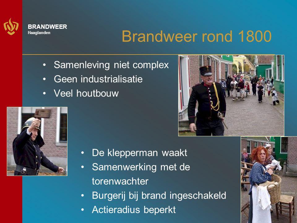 5 BRANDWEER Haaglanden Brandweer rond 1900 Samenleving industrialiseert Nieuwe risico's Gebruik van stoomspuiten Vrijwilligerskorpsen Organisatiestructuur Beroeps doen intrede Militaire aanpak?