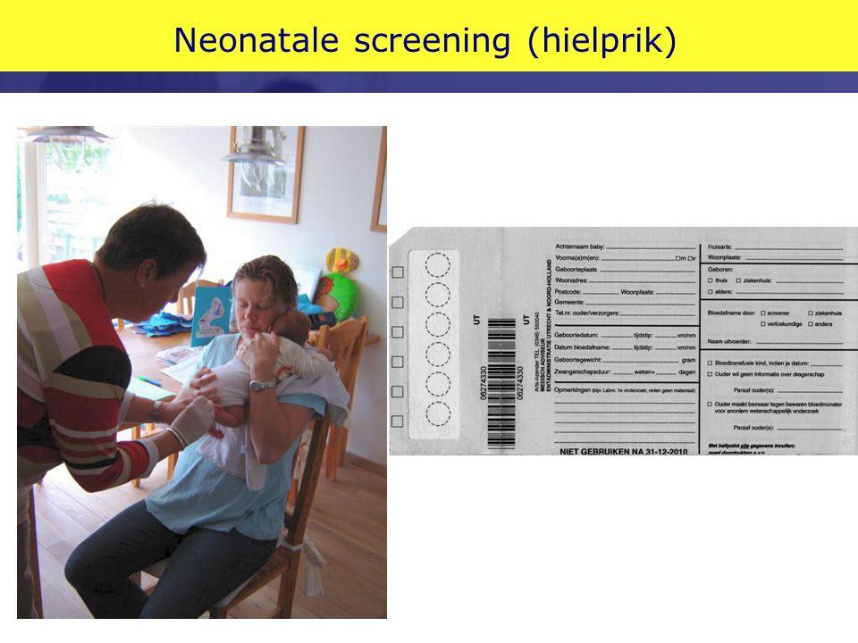 Hielprik: in NL: PKU vanaf 1974 Autosomaal recessief Zonder behandeling ernstige verstandelijke handicap Behandeling: phenylalanine-arm dieet 1:18.000 pasgeborenen = 10 per jaar in NL (Verkerk 1995) Dragerfrequentie 1 op 67 Later CHT, AGS