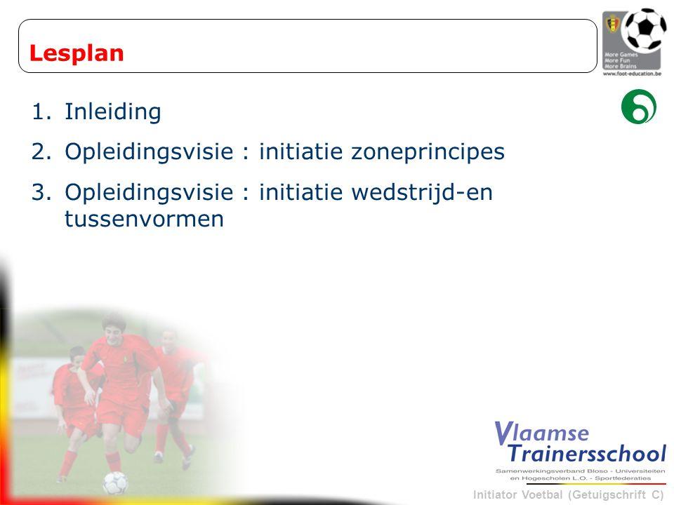 Initiator Voetbal (Getuigschrift C) - Bal tussen het blok en de zijlijn WANNEER .