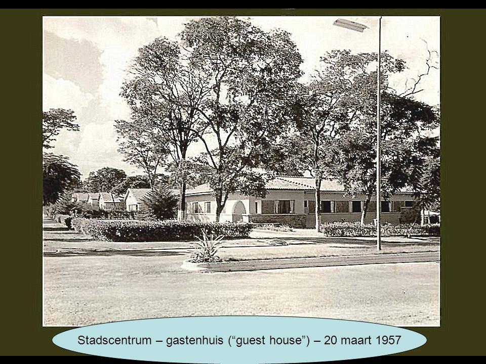 "Stadscentrum – gastenhuis (""guest house"") – 20 maart 1957"