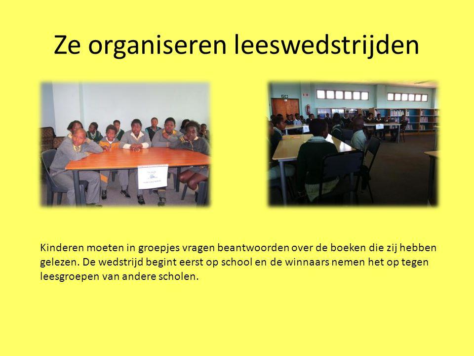 Ze organiseren leeswedstrijden Kinderen moeten in groepjes vragen beantwoorden over de boeken die zij hebben gelezen.