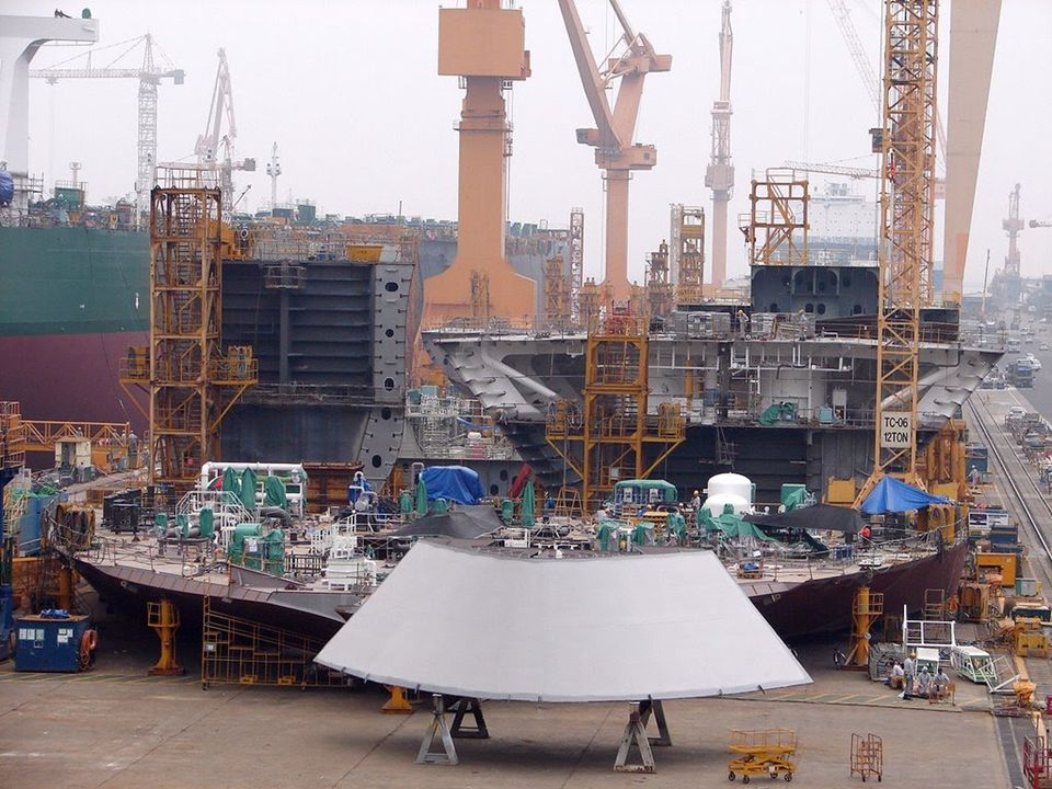 Zij werden gebouwd bij de scheepswerf van Daewoo Zuid Korea.