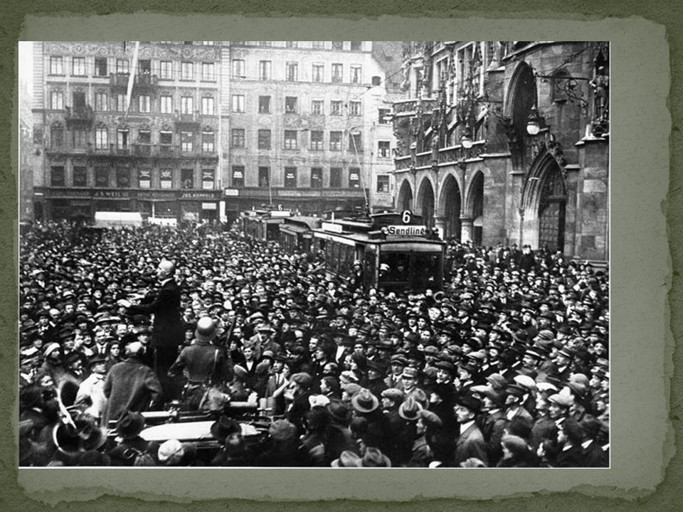 Groepen van Communisten, Nationalisten en democraten ruzieden voor de macht. Republiek van Weimar was een chaos. 1923: Duitsland kon de herstelbetalin