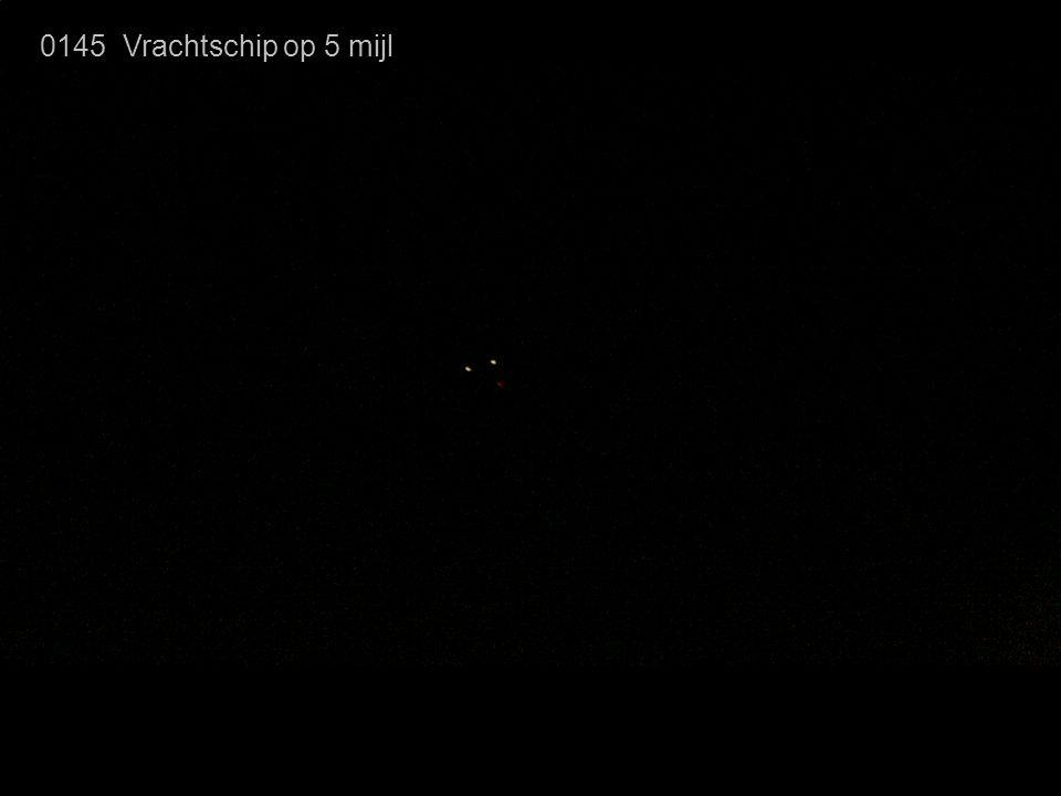 0145 Vrachtschip op 5 mijl