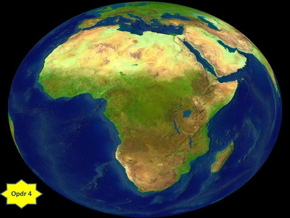Toch is Nigeria rijk in de zin van een gunstig klimaat en veel aardolie.
