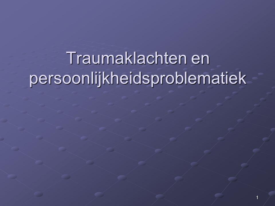 2Lijn Gevolgen van traumatische ervaringen (klachten en comorbiditeit) Wisselwerking PTSS en persoonlijkheids- problematiek Integratief model voor behandeling trauma en persoonlijkheidsproblematiek LOK, PTSS en persoonlijkheidsproblematiek Conclusies: - Dimensionaal denken (ipv in categorieen), - Denken in behandelgebieden (ipv DSM- IV), - Keuze zorgpad: matched care en stepped care MBT