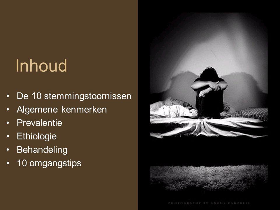 Stemmingsstoornissen Stemmingsstoornissen zijn stoornissen waarbij als belangrijkste kenmerk de stemming min of meer langdurig veranderd is: in de vorm van somberheid (depressie) of abnormaal verhoogde of geïrriteerde stemming (manie).