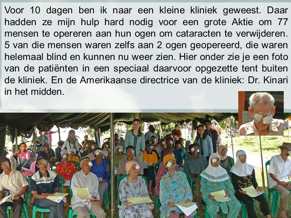 Een foto van alle medewerkers en dokters die hebben meegedaan aan de cataract actie van 3 dagen.