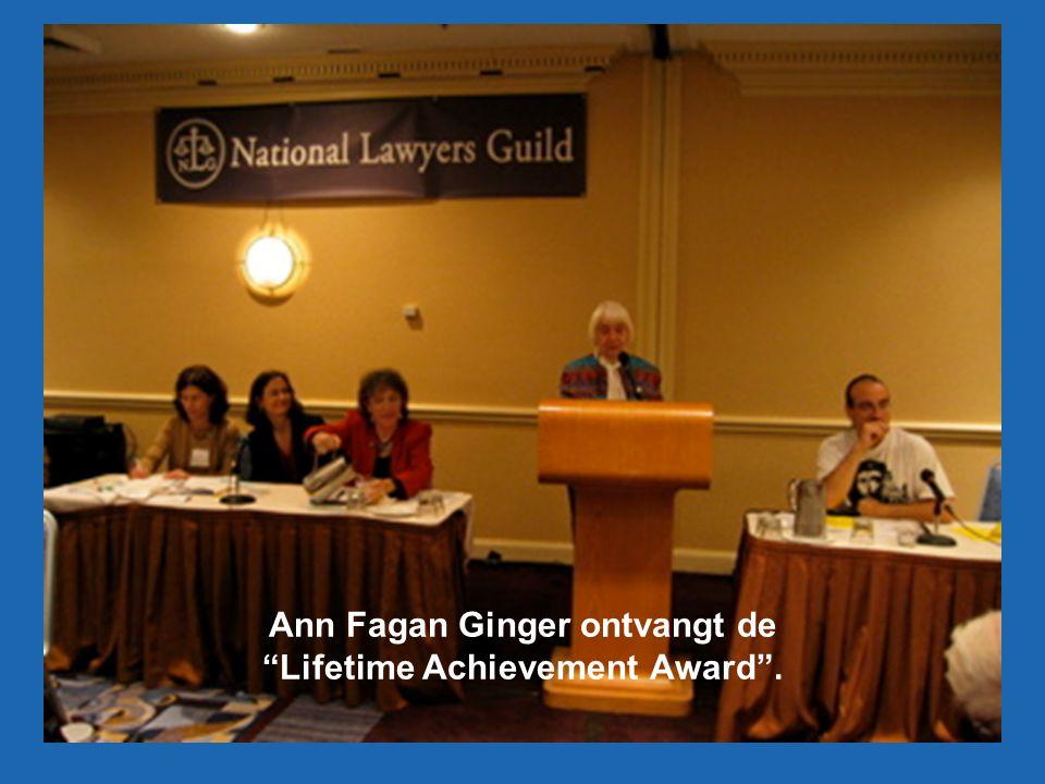 Ann Fagan Ginger ontvangt de Lifetime Achievement Award .