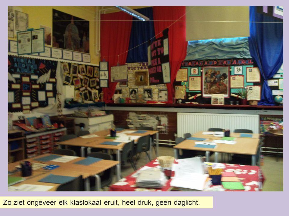 Staatsscholen volgen het National Curriculum Dit curriculum wordt bepaald door de overheid en vormt de basis van het onderwijssysteem.