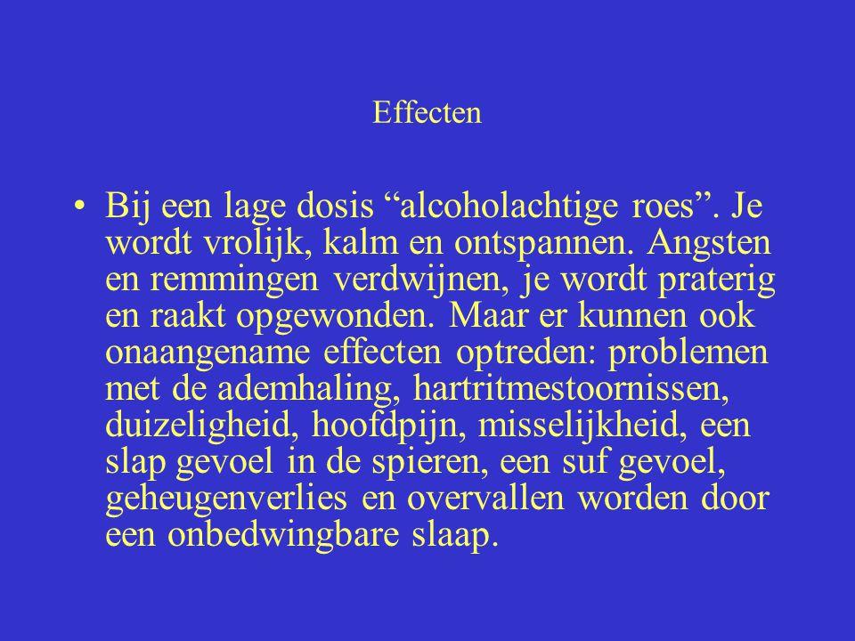 """Effecten Bij een lage dosis """"alcoholachtige roes"""". Je wordt vrolijk, kalm en ontspannen. Angsten en remmingen verdwijnen, je wordt praterig en raakt o"""