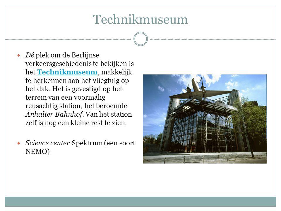 Technikmuseum Dé plek om de Berlijnse verkeersgeschiedenis te bekijken is het Technikmuseum, makkelijk te herkennen aan het vliegtuig op het dak. Het