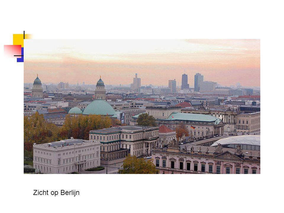 Bevolking 3,4 miljoen inwoners (2007) 460.000 buitenlanders 118.000 Turken (Kreuzberg) 41.000 Polen 25.000 Serviërs en Montenegrijnen 11.500 Kroaten 14.000 Italianen Aussiedler uit ex-Sovjet-Unie