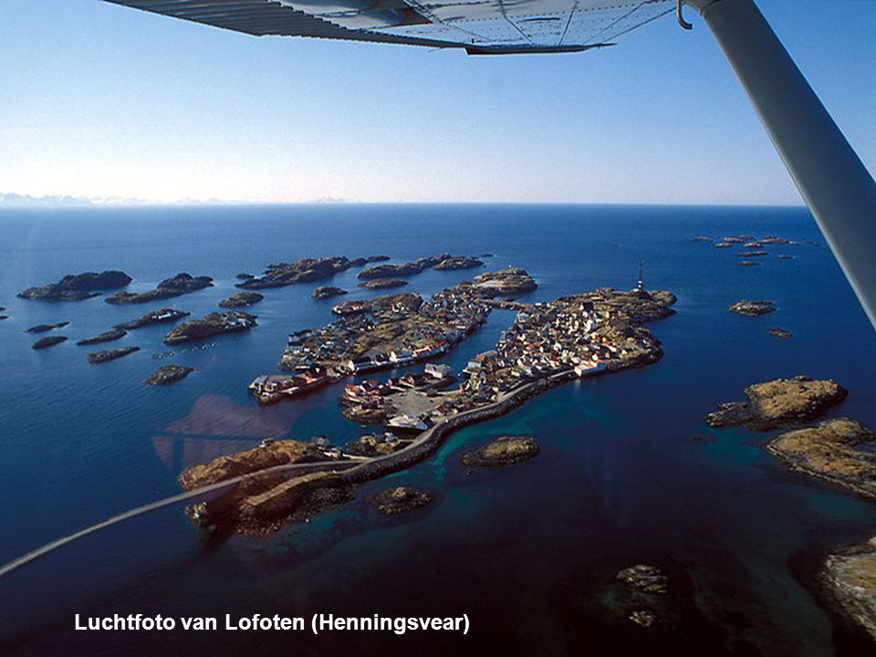 Luchtfoto van Lofoten (Henningsvear)