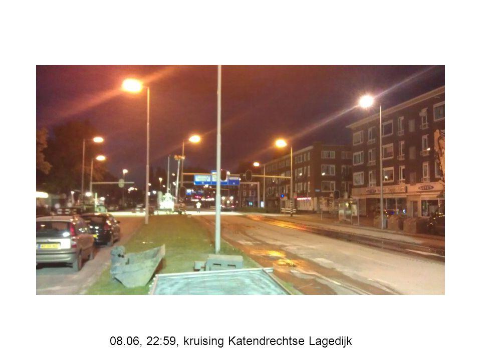 08.06, 22:59, kruising Katendrechtse Lagedijk