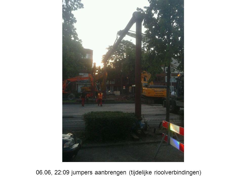 08.06, 20:25, veegwerk kruispunt Fuutstraat gereed