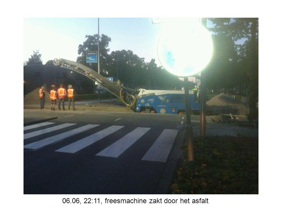 08.06, 20:28, kruising Roerdompstraat gereed