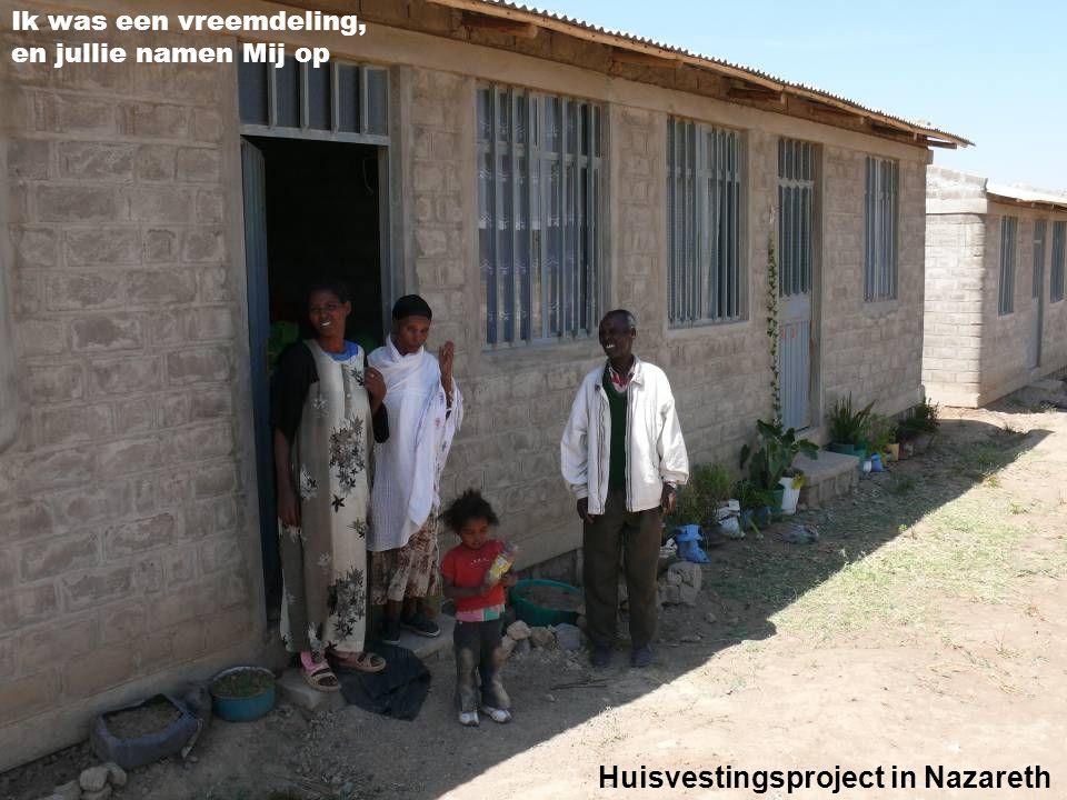 Ik was naakt, en jullie kleedden Mij Kinderen in Kenia ontvangen kleding