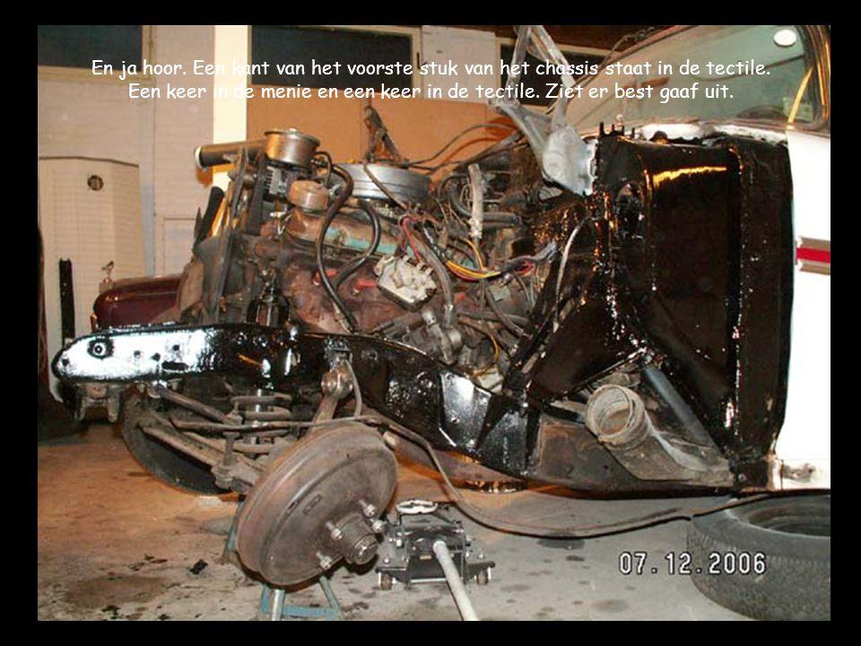 En ja hoor. Een kant van het voorste stuk van het chassis staat in de tectile.