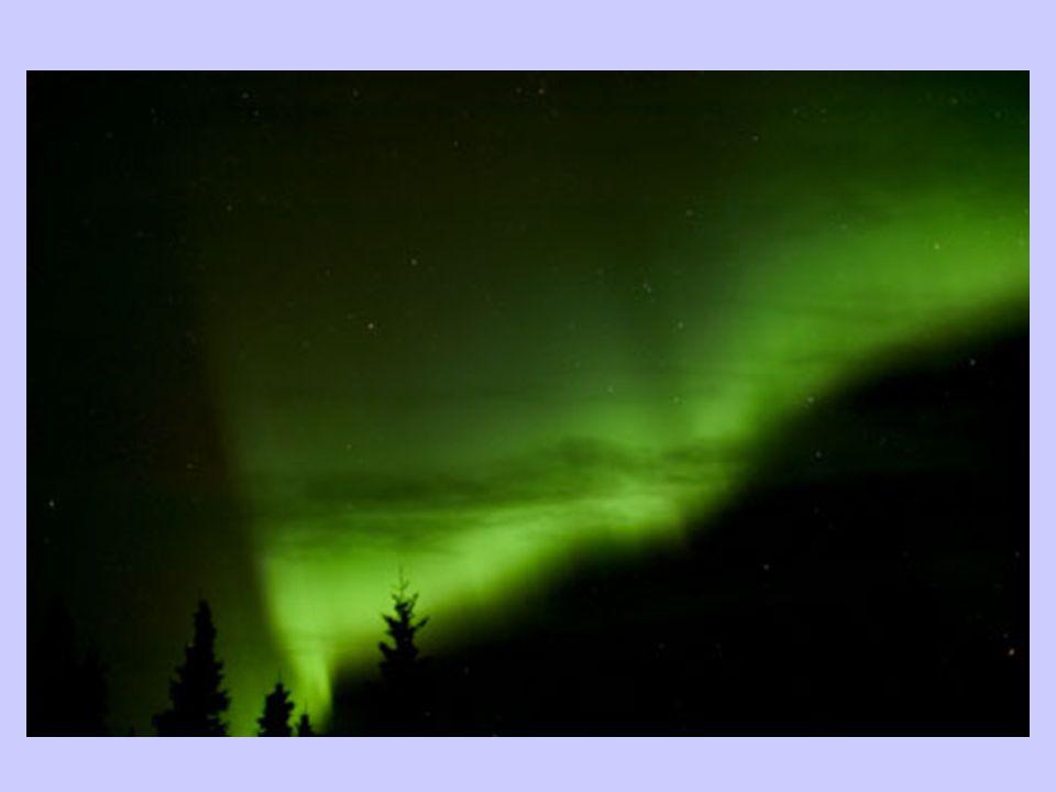 Mesopauze : constante temperatuur Thermosfeer of ionosfeer:  Van 80 tot ongeveer 500 km hoogte  Sterke invloed van de zonnewind Gassen ontbinden in ionen Gloed aan de hemel = poollicht of aurora  Sterke stijging van de temperatuur Exosfeer : Zwaartekracht is te klein zodat gassen gaan ontsnappen