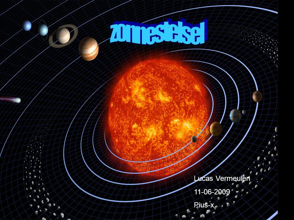 Inleiding In ons zonnestelsel bestaan er negen planeten.