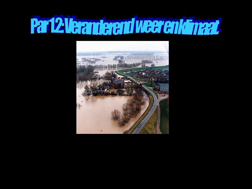 Op welke manier beïnvloeden klimaatverandering, zeespiegelstijging en bodemdaling de waterafvoer van Rijn en Maas?