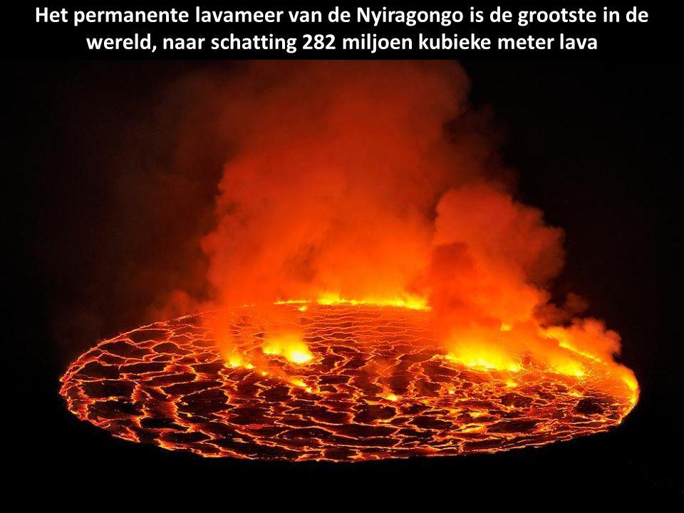 Het permanente lavameer van de Nyiragongo is de grootste in de wereld, naar schatting 282 miljoen kubieke meter lava