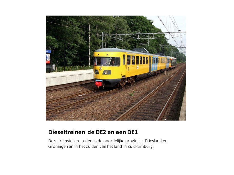 Dieseltreinen de DE2 en een DE1 Deze treinstellen reden in de noordelijke provincies Friesland en Groningen en in het zuiden van het land in Zuid-Limburg.