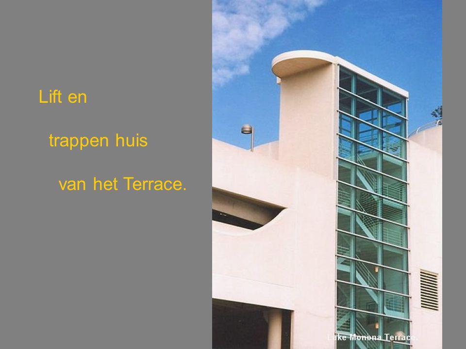 Lift en trappen huis van het Terrace.