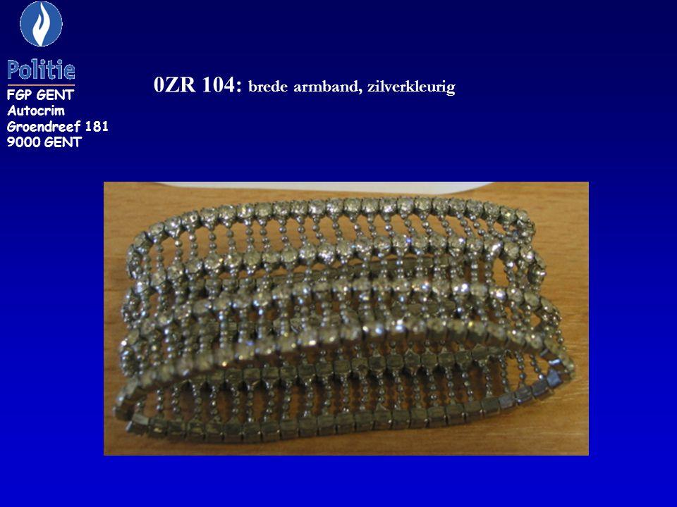 ZR 263: armband, geelgouden kleur met binnenin de inscriptie Y R versierd met witte steentjes FGP GENT Autocrim Groendreef 181 9000 GENT