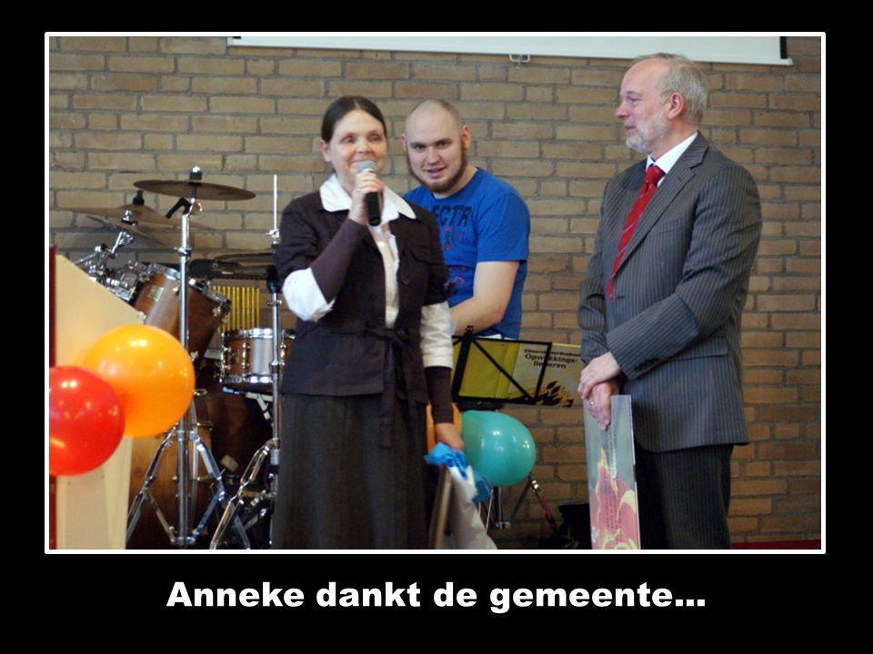 Anneke dankt de gemeente...