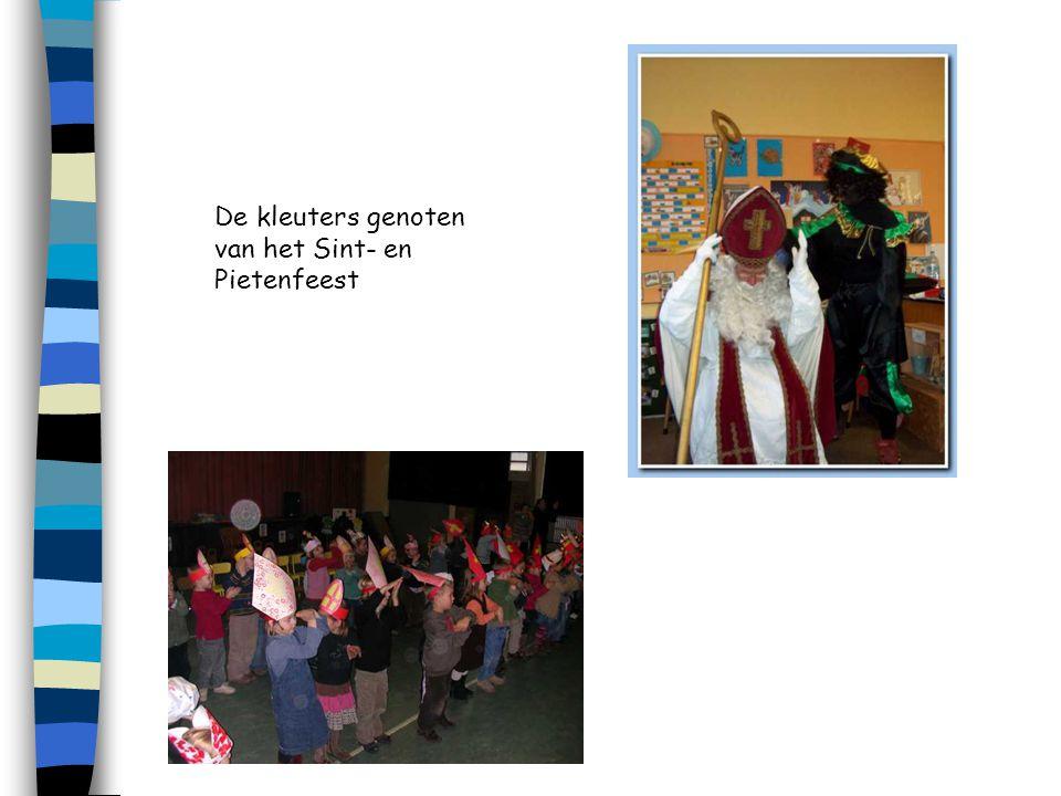 De kleuters genoten van het Sint- en Pietenfeest