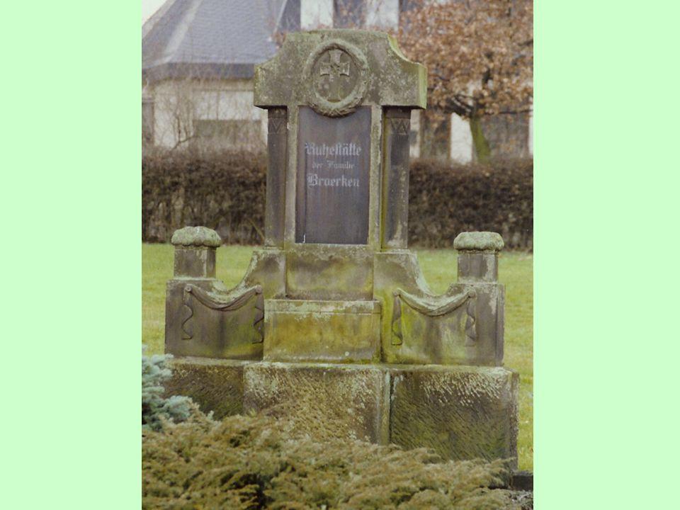 Een grote grafsteen op het kerkhof van Diestedde verwijst erop, dat de familie Broerken een goede reputatie in het dorp heeft