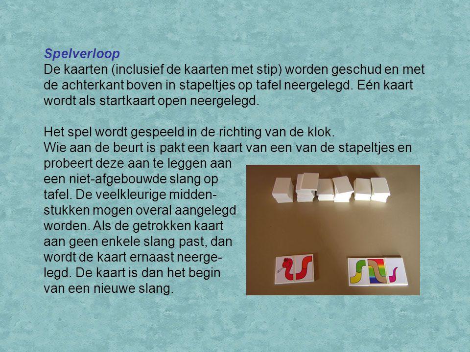 Spelverloop De kaarten (inclusief de kaarten met stip) worden geschud en met de achterkant boven in stapeltjes op tafel neergelegd.