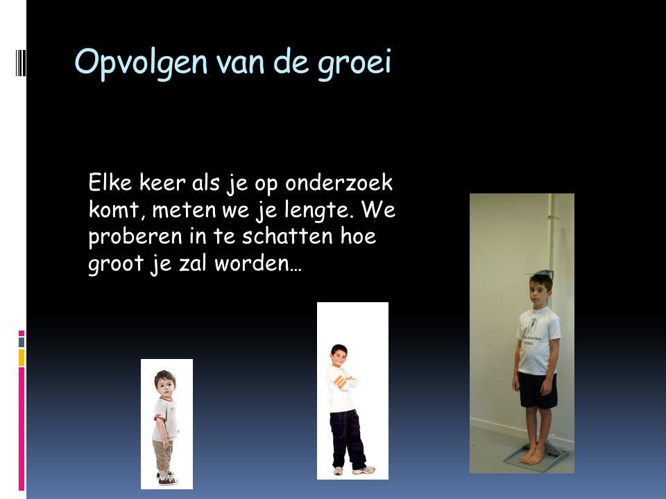 Onderzoek bij de CLB-arts  Houding: rug, benen, voeten en hoe je stapt Om te kijken of je een goede houding hebt sta je rechtop met je handen naast het lichaam.