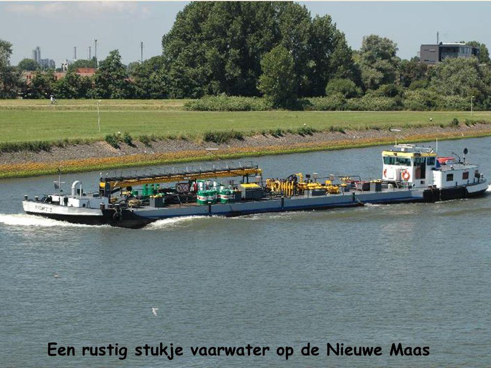De Erasmusbrug geeft de schippers voorrang