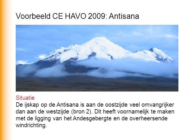 Situatie De ijskap op de Antisana is aan de oostzijde veel omvangrijker dan aan de westzijde (bron 2).