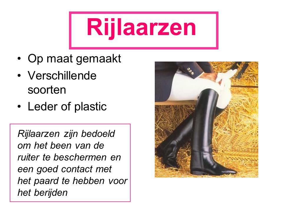 Rijlaarzen Op maat gemaakt Verschillende soorten Leder of plastic Rijlaarzen zijn bedoeld om het been van de ruiter te beschermen en een goed contact