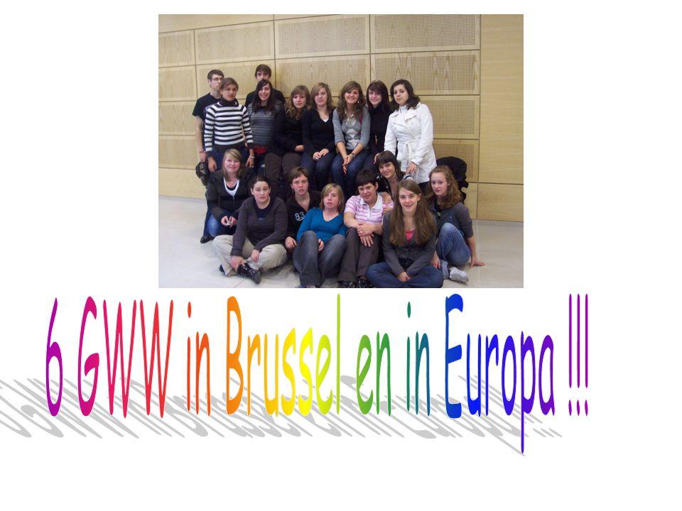 Na een vermoeiende dag waarop we veel bijgeleerd hebben over Europa, keerden we terug naar huis.