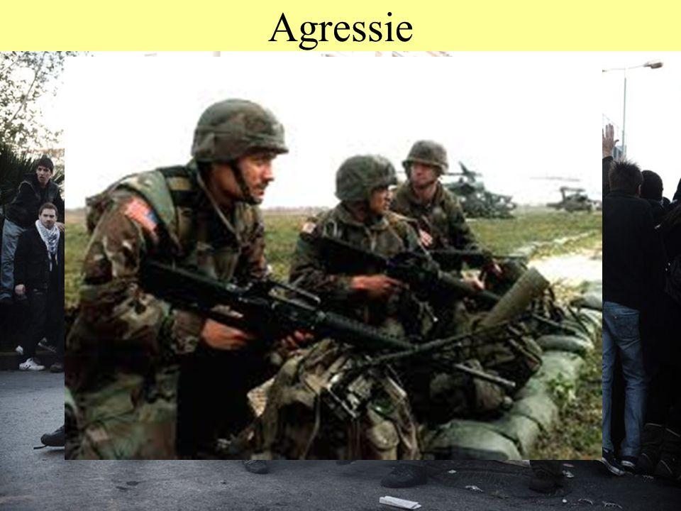 © 2012 JP van de Sande RuG Agressie Bij dieren: Dreigen, Bluffen, Vecht/vlucht, Jagen, Doden Bij mensen: Kwaad worden, Vechten, Mishandeling, Wapens,