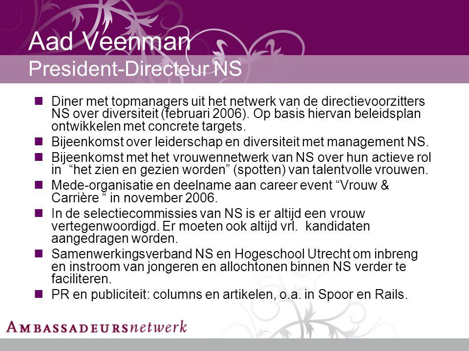 Aad Veenman President-Directeur NS Diner met topmanagers uit het netwerk van de directievoorzitters NS over diversiteit (februari 2006).