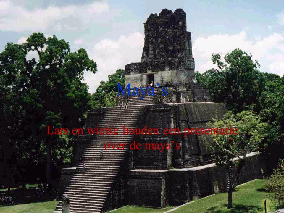 Maya's Lars en wietse houden een presentatie over de maya's